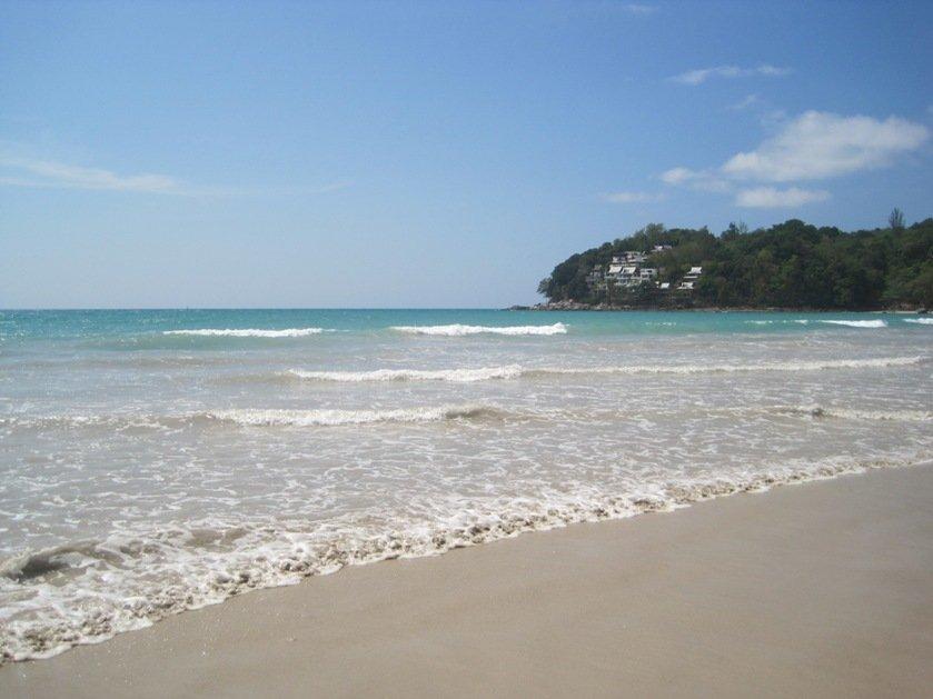 Волны на пляжах Пхукета