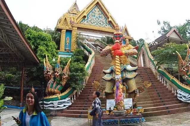 Храм Кхао Ранг
