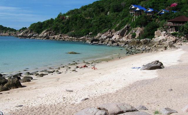 Пляж Leuk Bay