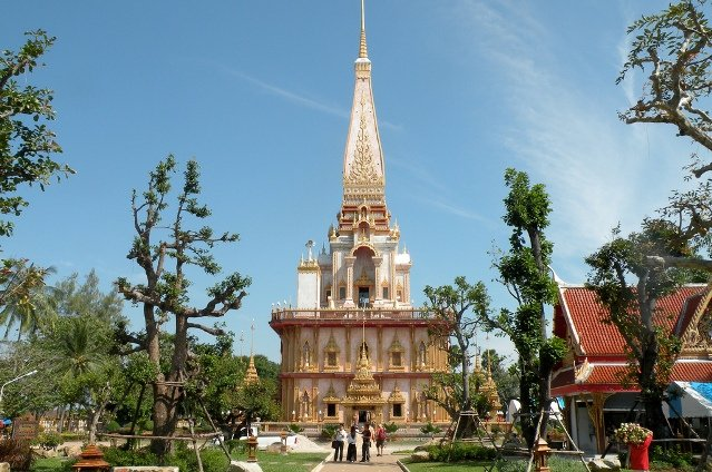 Храм Чалонг на Пхукете