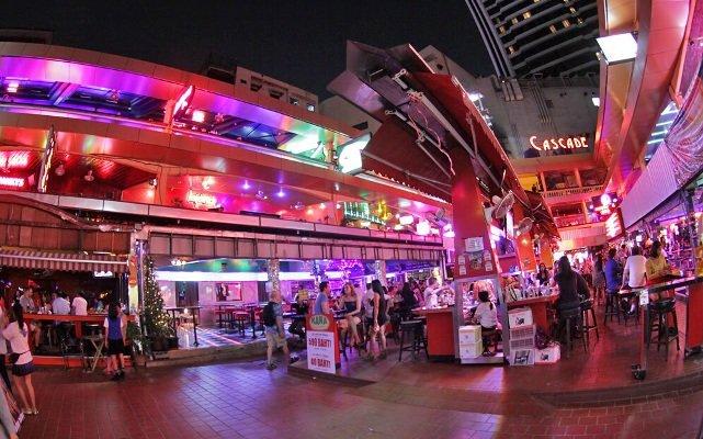 Нана Плаза в Бангкоке