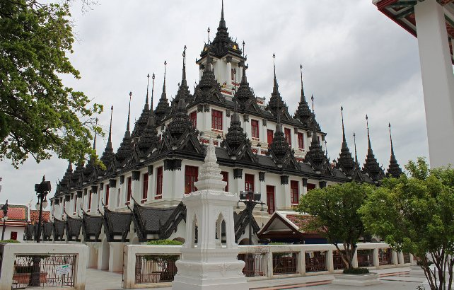 Железный храм