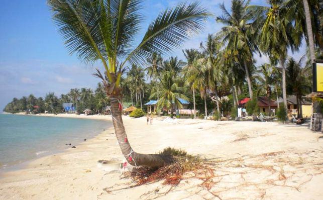 Пляж Баан Тай на Пангане