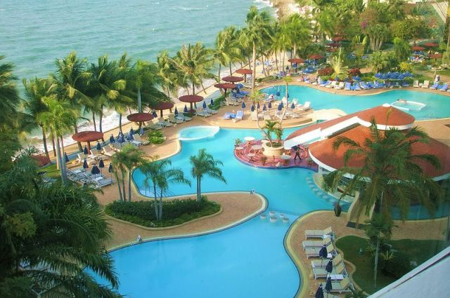 Cliff Beach Hotel в Паттайе