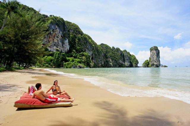 Pai Plong Beach Краби
