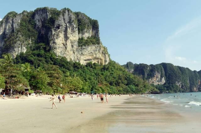 Пляж Ао Нанг в Краби