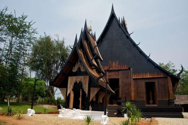 Черный храм в Чианграе