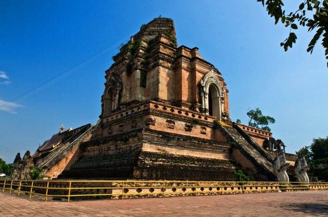 Храм Wat Chedi Luang в Чиангмае