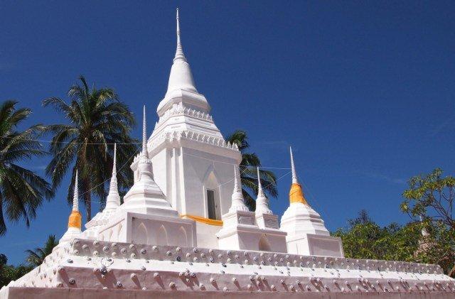 Храм Wat Phu Khao Noi