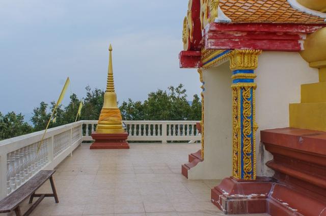 Храм Wat Khao Hua Juk