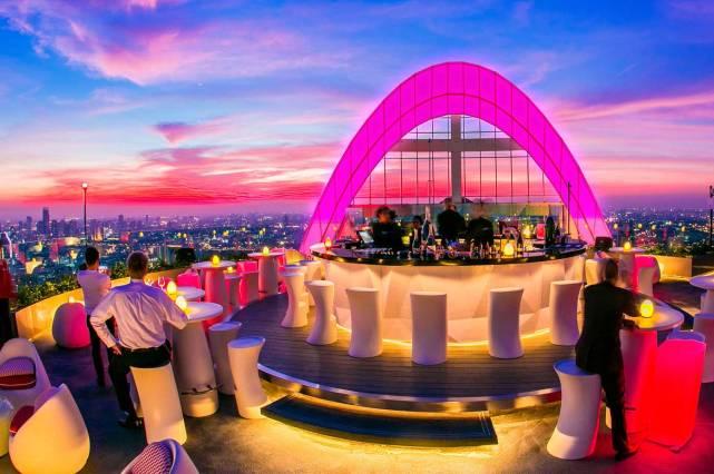 Бар Red Sky в Бангкоке
