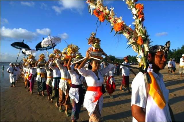 Балийский Новый Год - обряд Меласти