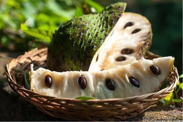 фрукт сирсак