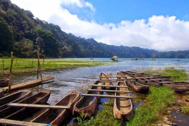Озеро Тамблинган на Бали