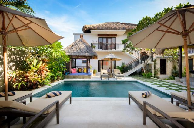 Coconuts Villa Balangan Beach