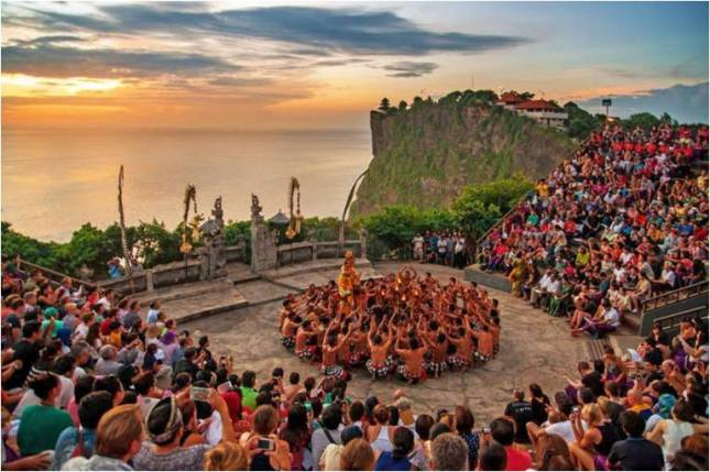 Танец Кечак на Бали
