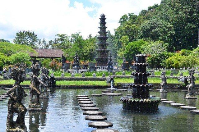 Водный дворец Тирта Ганга на Бали