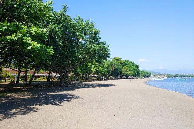 Пляж Ловина на Бали