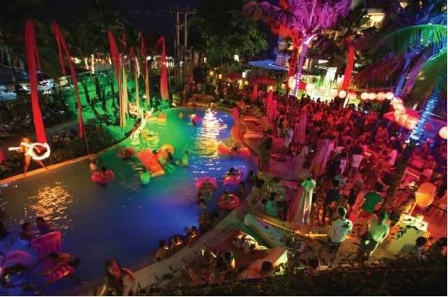Cocoon Beach Club на Бали