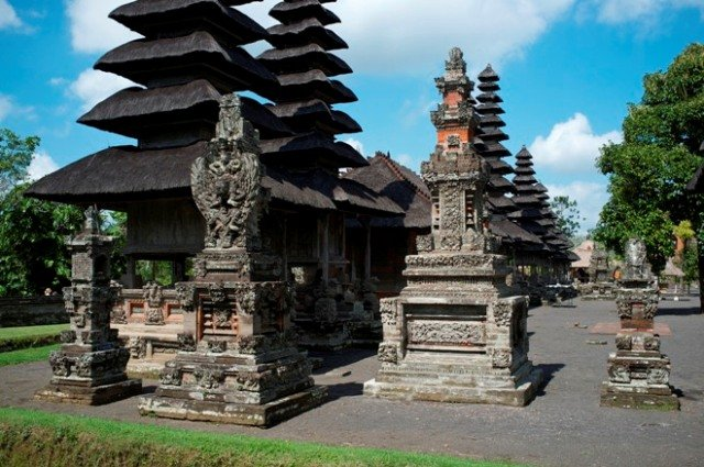 Храм Таман Аюн на Бали