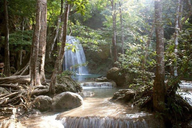Водопад в парке Као Сок