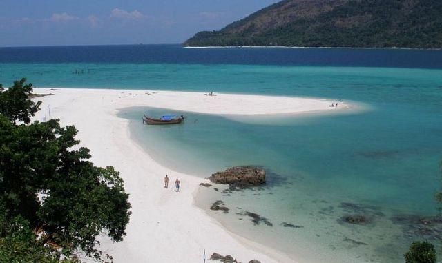 Karma Beach на острове Липе