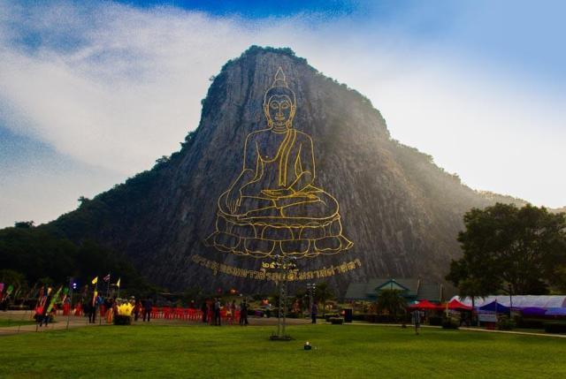 Скала Золотого Будды в Паттайе