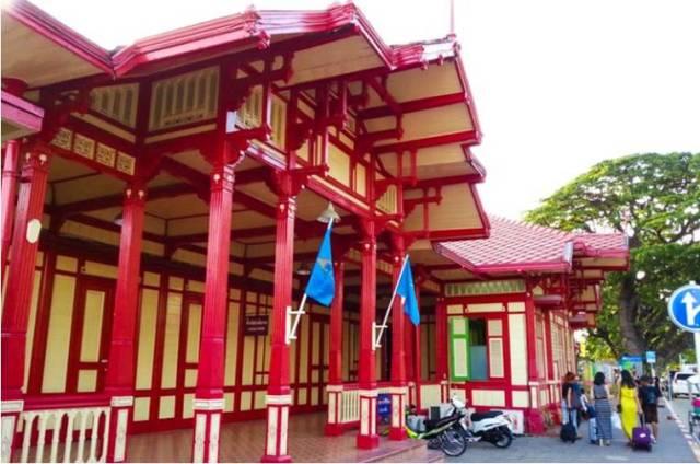 жд вокзал в Хуа Хине