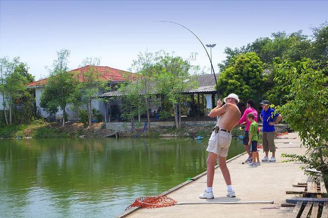 Рыбалка в Паттайе в фишинг парке