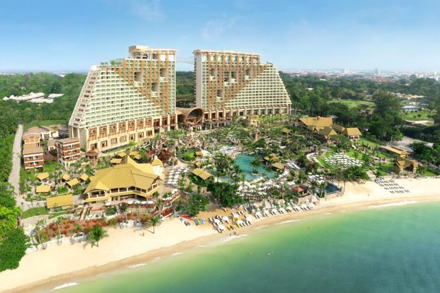 Centara Grand Mirage Beach Resort в Паттайе