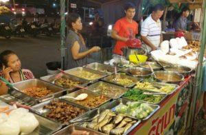 Ночной рынок Джомтьен в Паттайе
