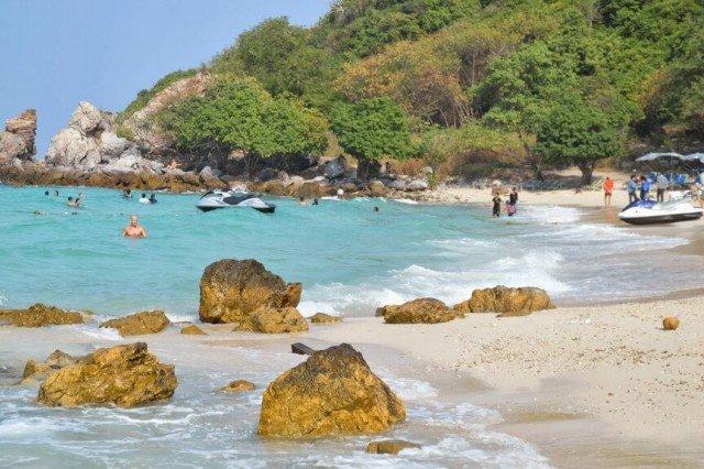 Пляж Та Яй на Ко Лане