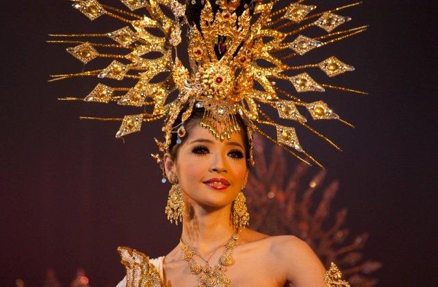 tiffani-shou-transvestitov-v-tailande