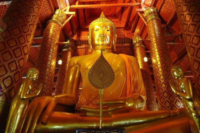 Аюттайя Wat Phanan Choeng