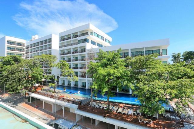 Cosy Beach Hotel в Паттайе