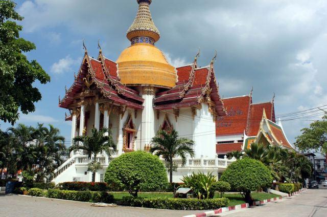 Храм Chaimongkron в Паттайе