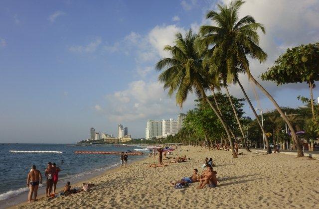 Голышом дети по пляжу фото