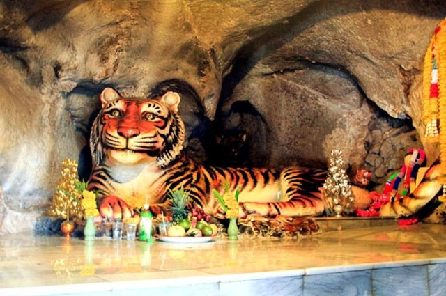 Храм Тигра в Краби
