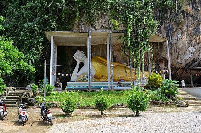 Храм лежащего Будды в Краби