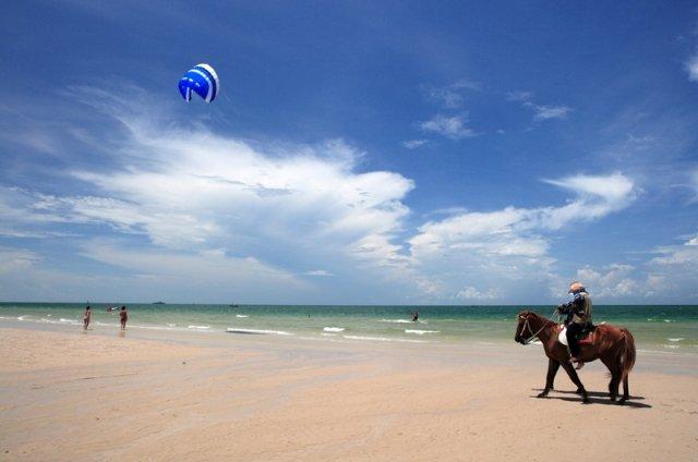 Катание на лошадях в Хуа Хине