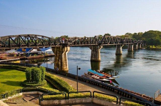 Мост через реку Квай в Канчанабури