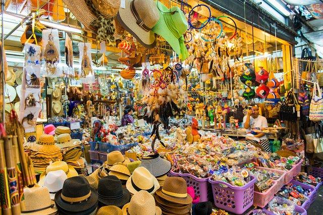 Siri Wattana market