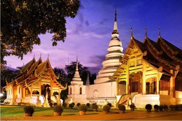 Храм Wat Phra Singh в Чиангмае