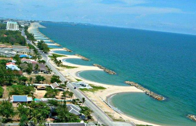 Пляж Hat Laem Charoen в Районге