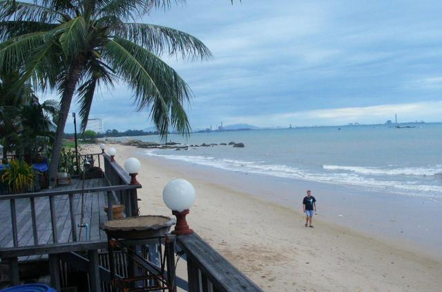 Пляж Phala Beach в Районге