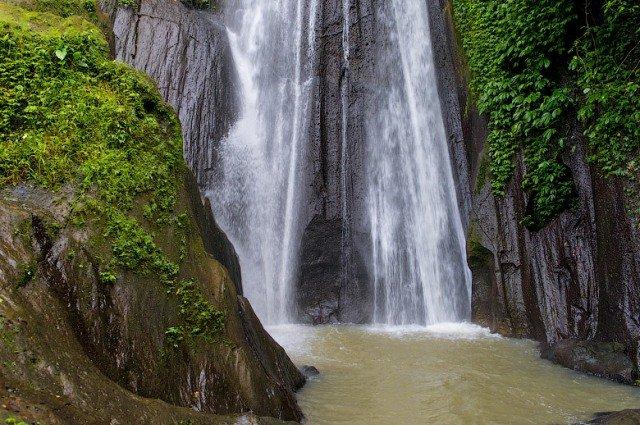 Водопад Dusun Kuning на Бали