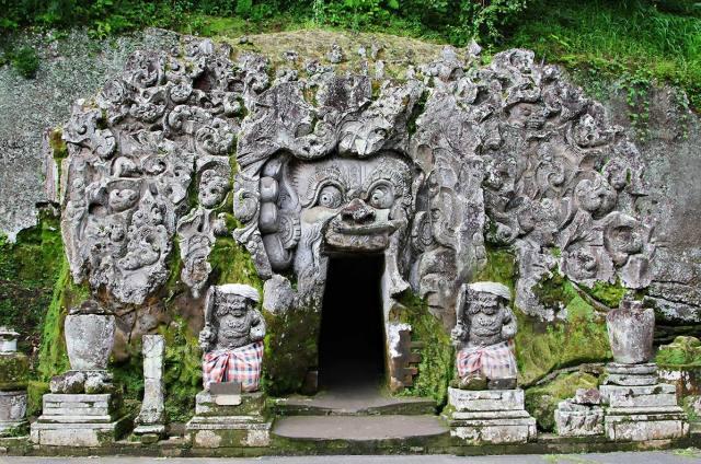 Храм Гоа Гаджах на Бали