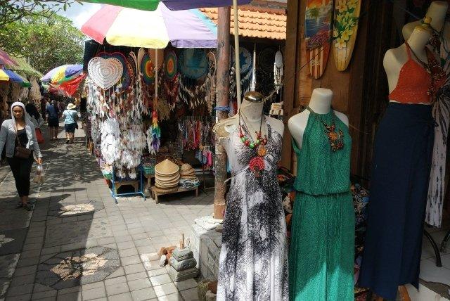 Что привезти с Бали из одежды