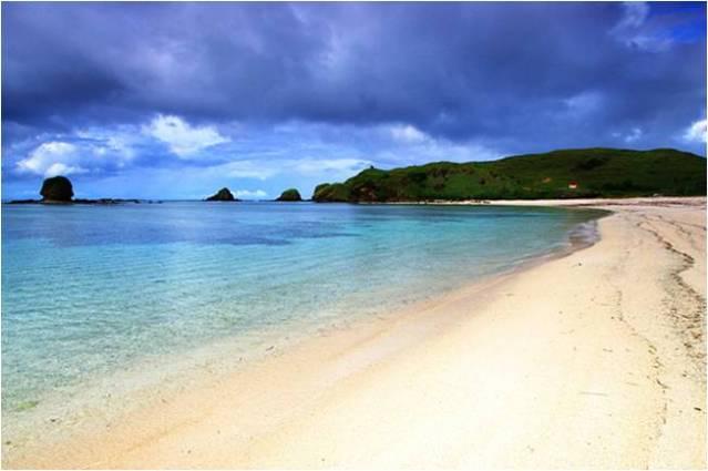 Пляж кута на Ломбоке