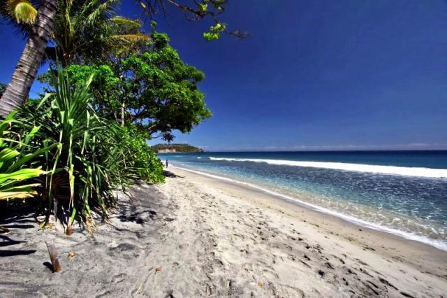 Пляж Сенгиги на Ломбоке